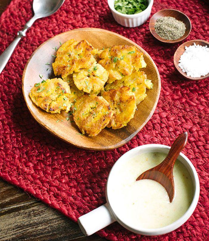 Crispy Plantains with Garlic Sauce via @meljoulwan