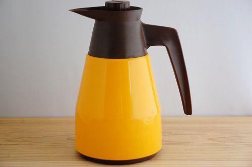 スウェーデンで見つけたプラスティック魔法瓶(橙色) - 北欧、暮らしの道具店