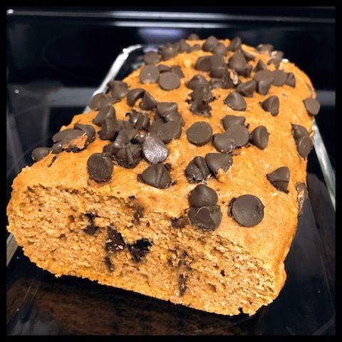 Chocolate Chip Pumpkin Loaf #pumpkin #puree #healthy #chocolatechips #delicious #healthychoices #spice #treat #recipe #bakedgoods #swap #lowfat #snack #sharicreates