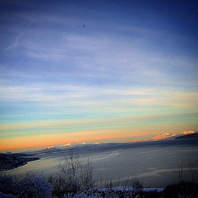 """#nydelig #vintervær #norwegian #visitnorway #norway  #naturelovers  #naturphotograpy  #norge❤️#brilliantpicture #brilliantpictures #picasnorway…"""