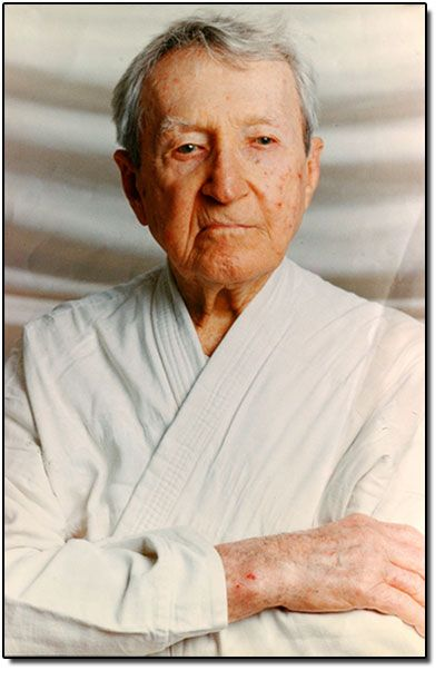 Carlos Gracie (September 14, 1902 – October 7, 1994) was the first Gracie to learn Judo from Otávio Mitsuyo Maeda. Based on this judo training, Carlos and his brothers founded the martial art of Brazilian Jiu-Jitsu.