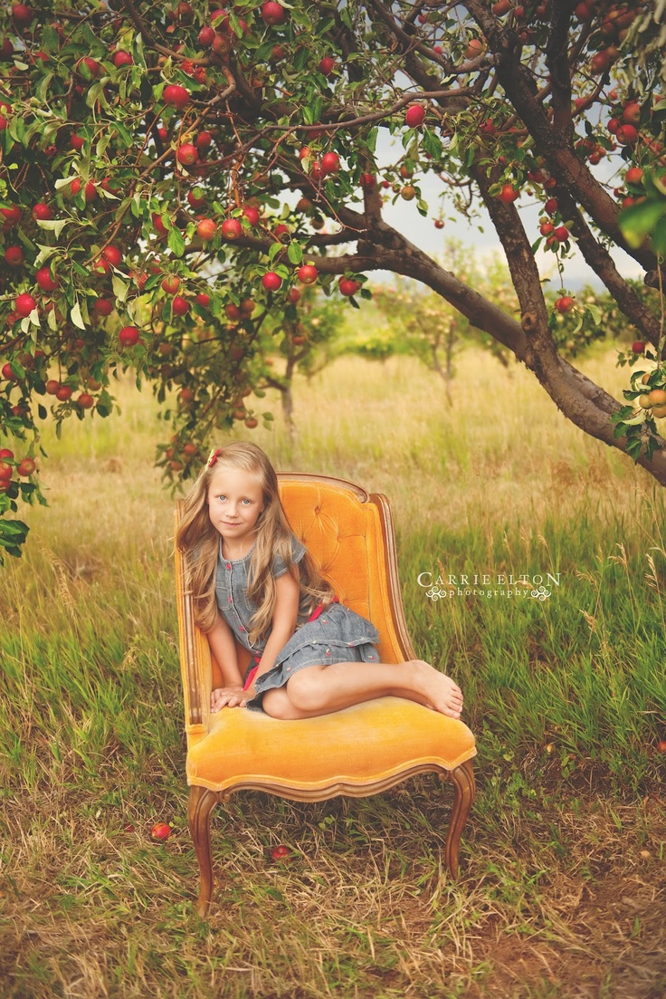Carrie Elton Photography. LOVE these photos taken in an apple orchard.