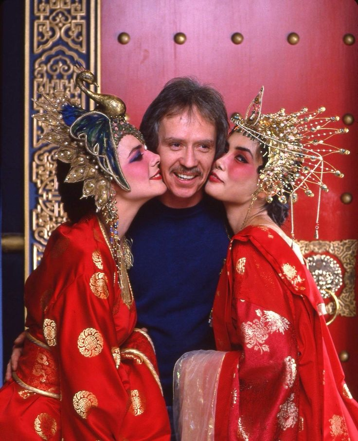 Kim Cattrall, Suzee Pai and John Carpenter on the set of Big Trouble in Little China (1986).