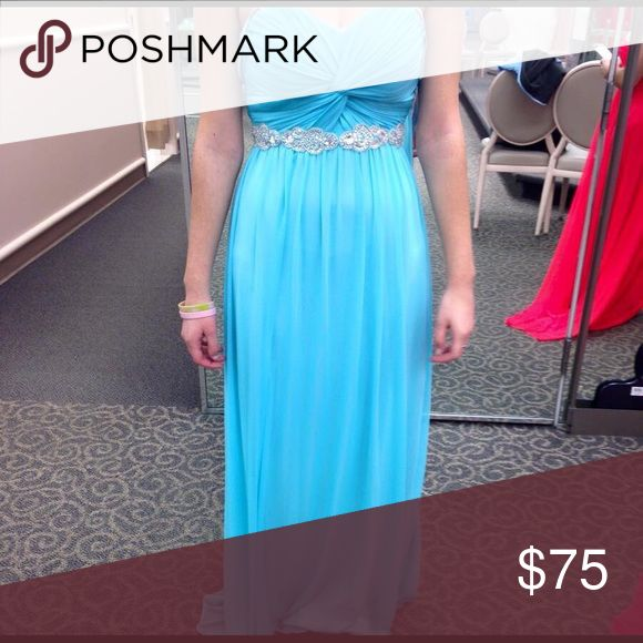 Turquoise Prom Dress Strapless Turquoise Prom Dress. Size 7-9, only worn once.                                                                 ✨LOOKING FOR BEST OFFER, NO SET PRICE!!!✨ David's Bridal Dresses Prom