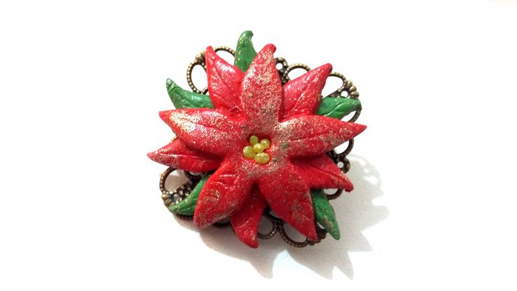 Weihnachtsblumenbrosche in rot Fimo- von Passionnella auf DaWanda.com