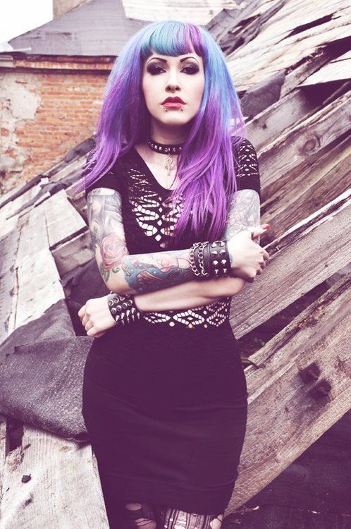 prettiness: Gothic Punk, Gothic Beautiful, Nice Style, Pastel Goth Tattoo, Akasha Colors, Gothic Girls, Girls Hair Fashion, Divas Akasha, Colors Hair