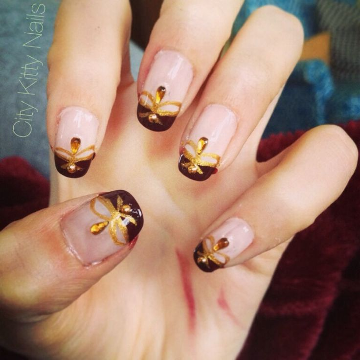 56 best nail art images on pinterest nail scissors hair dos and queen bee nail art prinsesfo Choice Image
