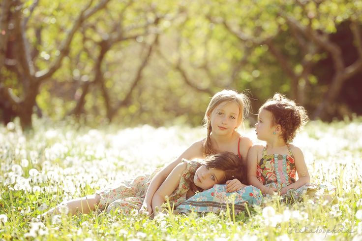 beautiful sister shots from peekaboo photos