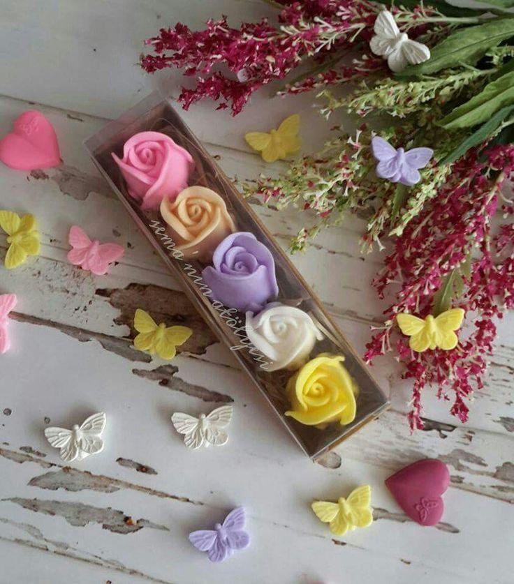 Anneler günü için hazırlanan miss kokulu sabun güller