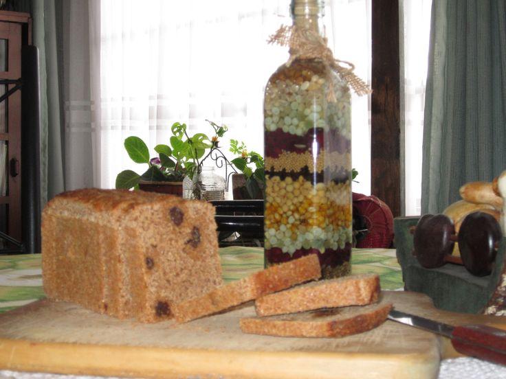 Pan integral natural de Melaza y uvas pasas elaborado con masa madre