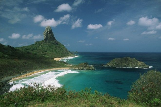 Experiencing the Pousada Maravilha Hotel, Brazil - Fernando de Noronha is an impossibly beautiful secret island just an hour's flight from Recife in northern Brazil. A pristine National Marine Park, it was once visited by Charles Darwin and is so eco-orientated that …