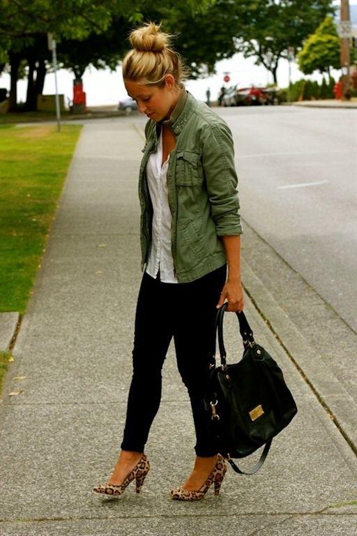 Black skinny pants, white top, leopard heels