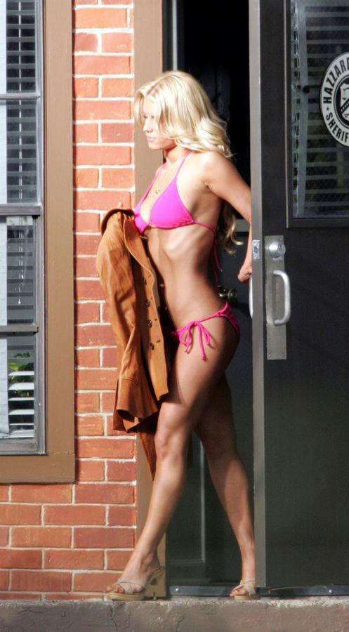 coeds-bald-bikini-hot-in-jessica-simpson-full-handjob-movie