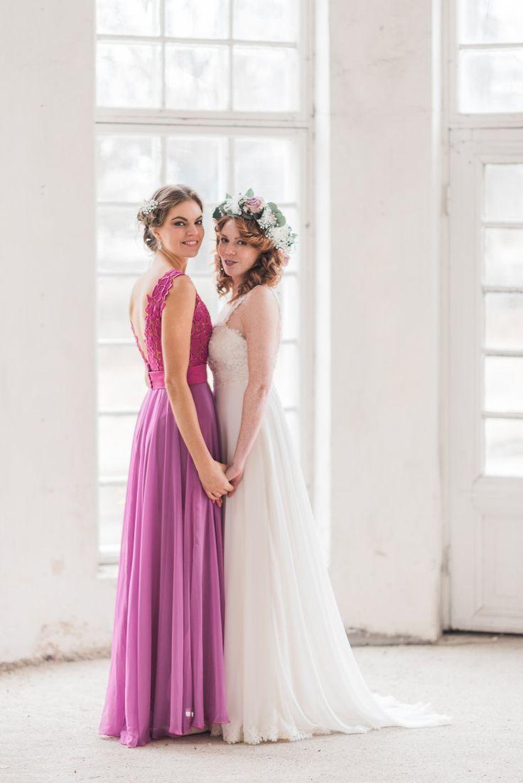 Dresses: Farrah & Frida by Heidi Tuisku, Photos: DMK Photography, Assistant: Claudia Kisiel, MUAH: Emma Nikkanen, Flowers: Kukkapalvelu Freesi, Models: Leena and Sonja