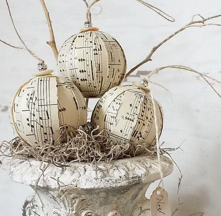 35 best Paper Baubles - Christmas Decorations images on Pinterest ...