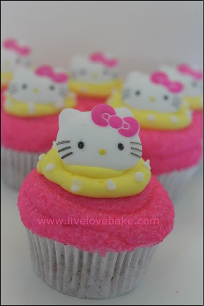Hello Kitty Cupcakes - I like the pink & yellow