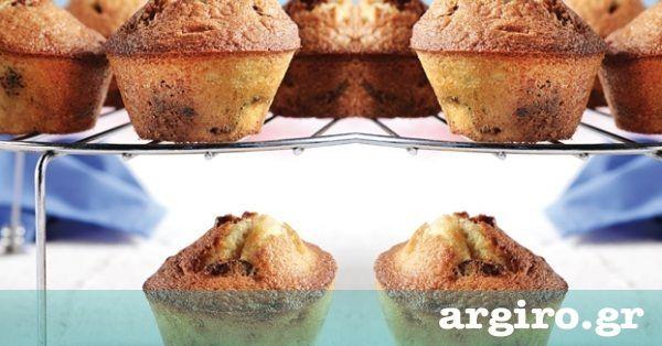 Βασική συνταγή για muffins από την Αργυρώ Μπαρμπαρίγου | Με αυτή τη συνταγή δε θα ξαναγοράσετε μάφινς! Εκτός από πεντανόστιμη, είναι πολύ εύκολη και γρήγορη
