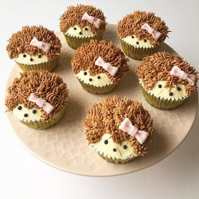 Hedgehog cupcakes.