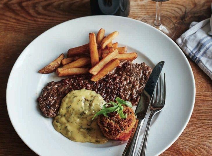 Steak minute med bearnaise och pommes är världens vanligaste bistrorätt.
