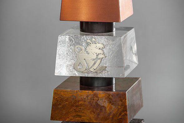 Die Trohpäe besteht aus Basaltstein, Jaspis, Bergkristall und Kupfer - Foto: keepfighting.ms