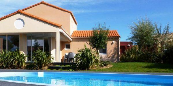 Vakantiehuis met privézwembad in Frankrijk - Vakanties voor Grote GezinnenVakanties voor Grote Gezinnen