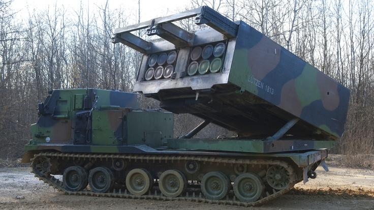LRU (lance-roquettes unitaires). Le système LRU dispose d'une capacité de tir entre 15km et 70km avec une précision de frappe du niveau GPS. © armée de Terre 2011.