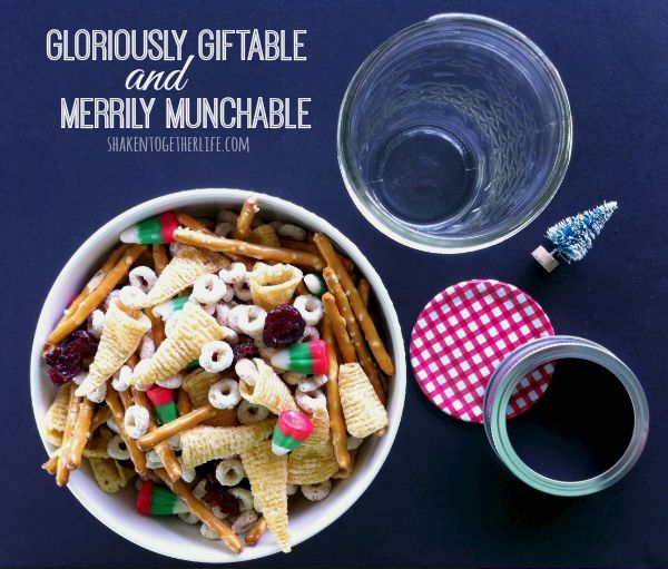 Easy Christmas Snack Mix
