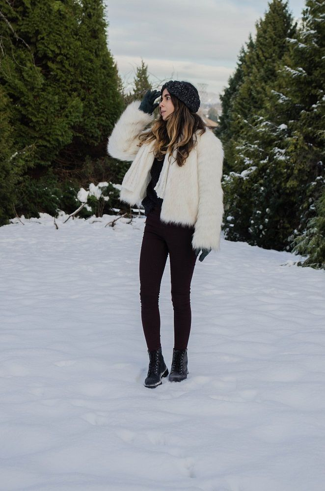 Faux Fur In The Snow - Looking Glass