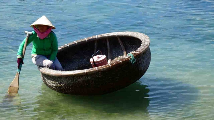 Vietnamese boat | Atlasa.cc #travel #photography