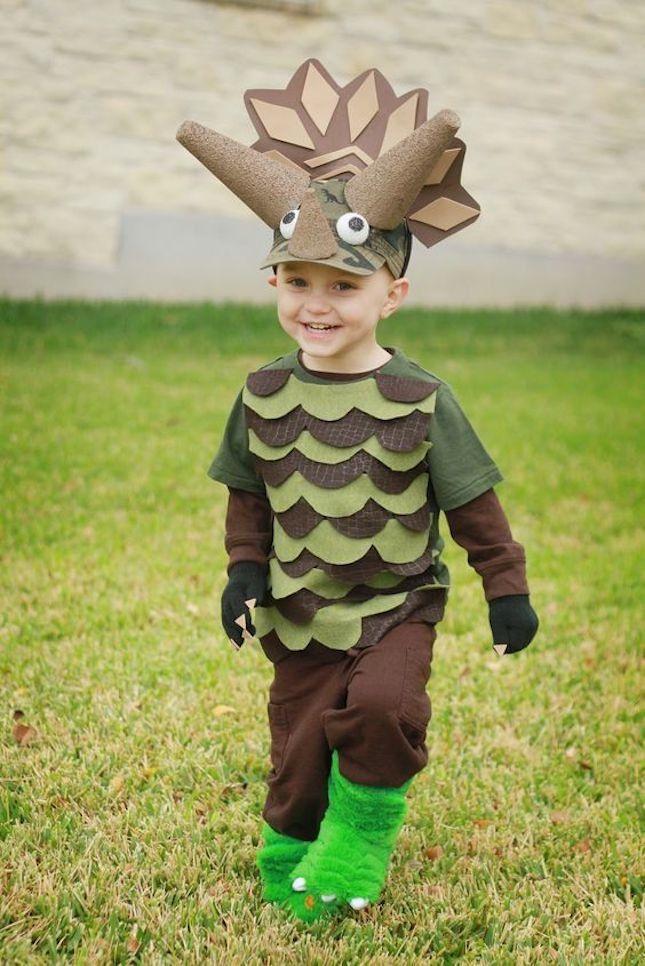 How cute is this dinosaur Halloween costume?!