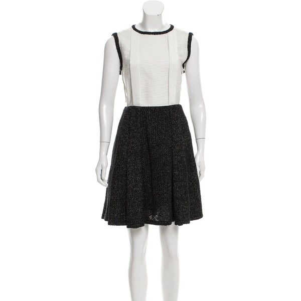 Pre-owned Chanel 2015 Sleeveless Pleated Dress ($1,745) ❤ liked on Polyvore featuring dresses, black, pleated dresses, chanel, striped dresses, pattern dress and woven dress