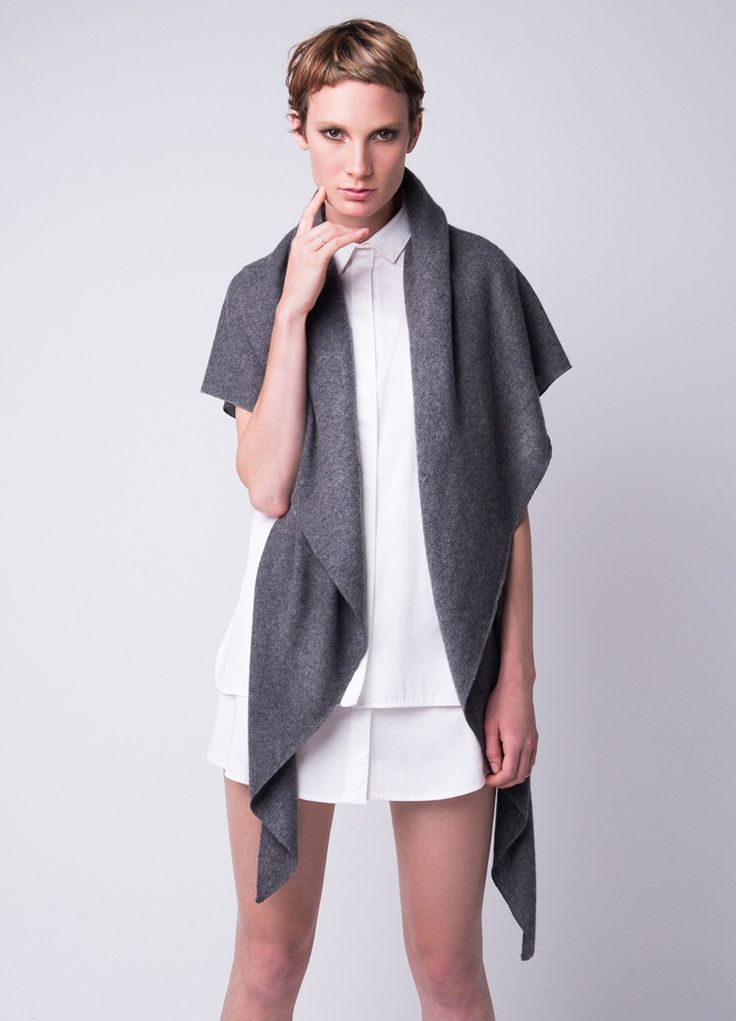 The piece of cashmere to take everywhere.