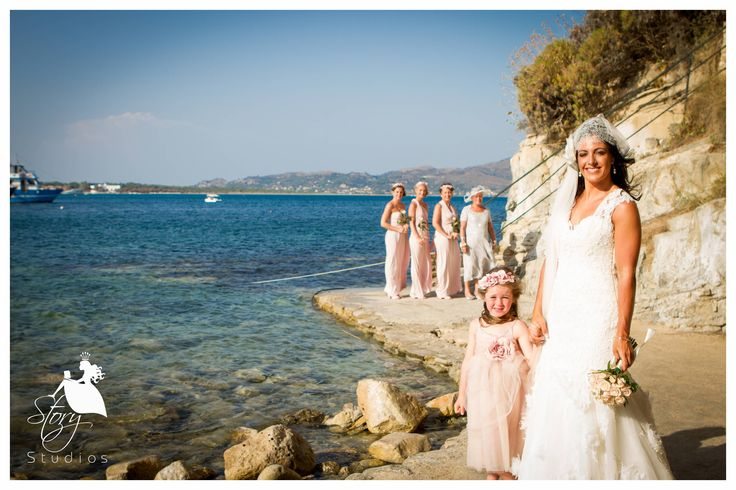 The bride with her bridesmaids at the lovely Cameo Island