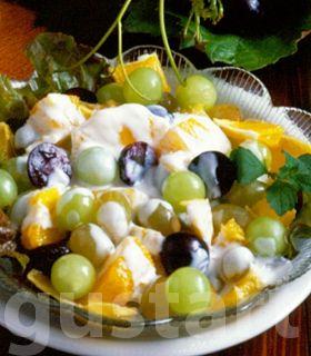 Lajos Mari konyhája - Narancsos szőlősaláta borsos dióöntettel