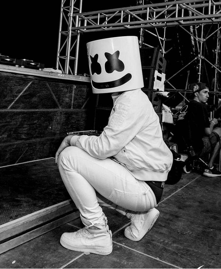 """4,244 Me gusta, 22 comentarios - Marshmello Fans [✖‿✖] ™️ (@marshmellofansofficial) en Instagram: """"Calm before the storm ▶️@marshmellofansofficial"""""""