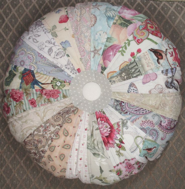 Shabby Chic Pillows On Etsy : 258 best Pretty Quilted Pillows images on Pinterest Etsy handmade, Etsy quilts and Goodies
