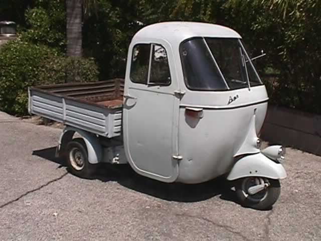 Piaggio Ape, hehehe so dumb, but cute