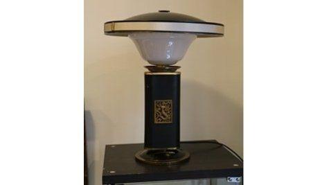 mod le mermaid ou eileen gray dit par la maison jumo lampe de bureau en verre et cellulo d. Black Bedroom Furniture Sets. Home Design Ideas