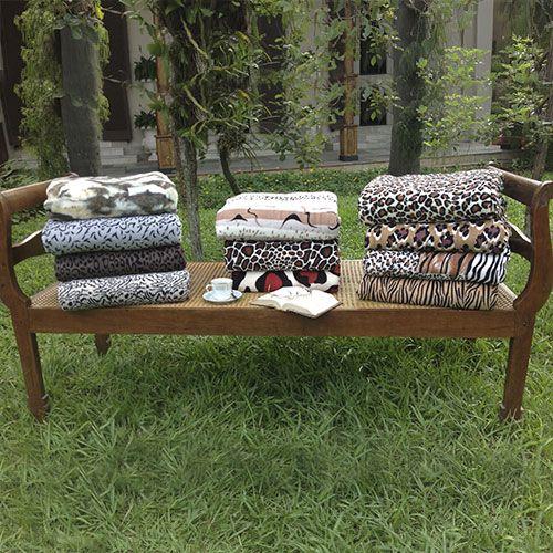 Olha só que lindas as novas estampas do cobertor Microfibra Casa da Sogra. Confira esta e outras opções em nosso site: http://www.casadasograenxovais.com.br/cobertor-microfibra-animal-print-casal-casa-da-sogra-6723.aspx/p