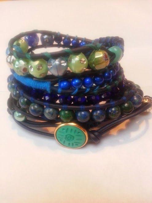 """Under water"" Has a new owner  Met edelsteen Chrysocolla en facet geslepen kristal.   Past 5 á 6 keer om de pols.   Wrap it 5 or 6 times arround. Made this on the 10th of October.  Ben je geïnteresseerd stuur een berichtje. #Boho #Bohemian #Caarroos #Bracelets #Jewelry #Gipsy #Armband."