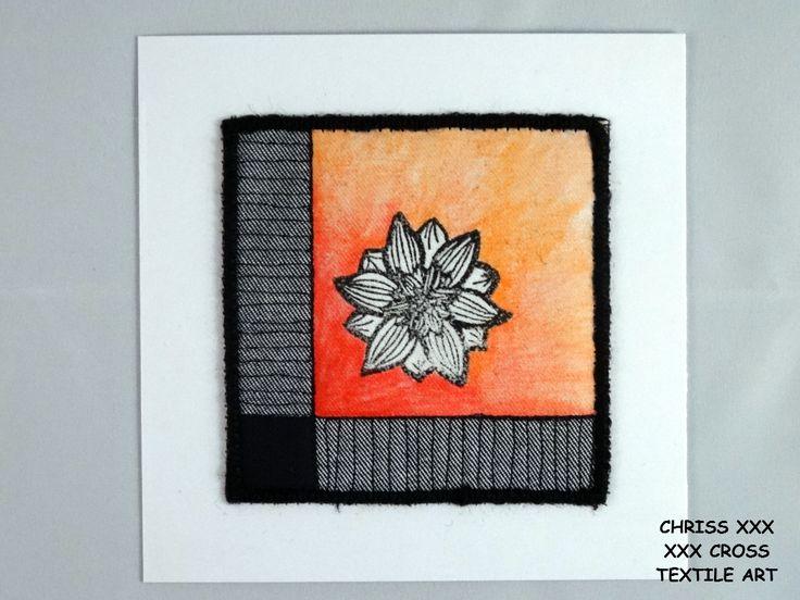Kunstkaart / Mail Art van Kunst per post Afmeting kaart: 13x13cm (bxh) Afmeting kunstwerk: 9x9cm (bxh) Kleur: wit - rood - zwart