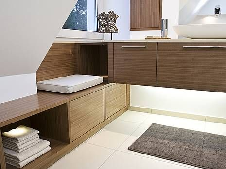 die besten 25 badezimmer dachschr ge ideen auf pinterest badezimmer dachgeschoss. Black Bedroom Furniture Sets. Home Design Ideas
