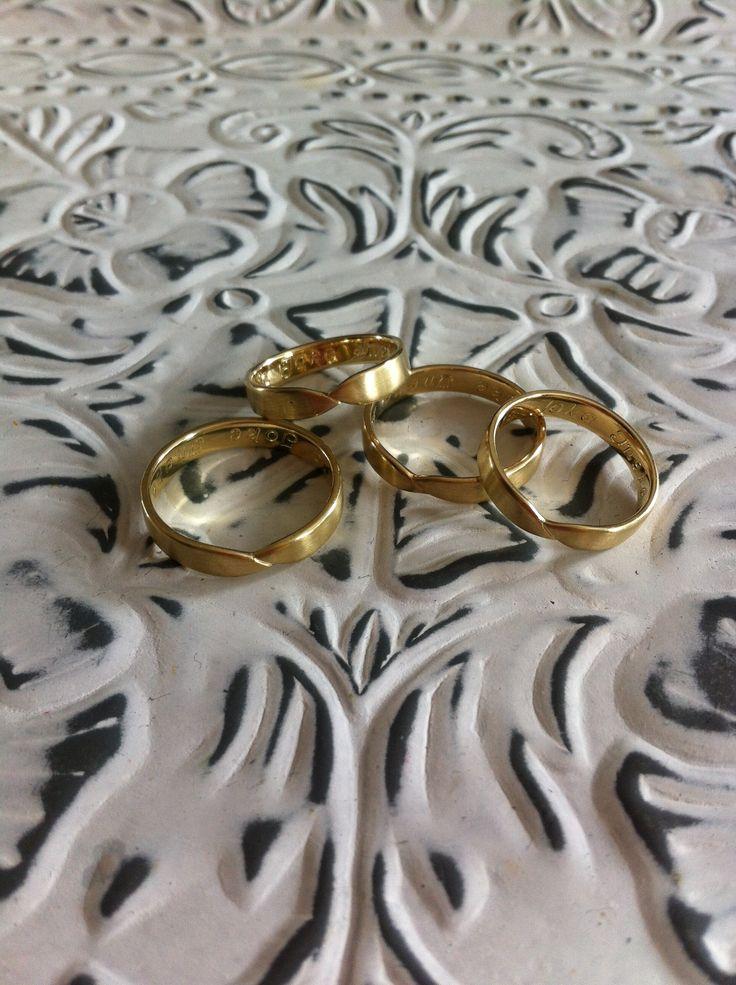 Ringen voor 4 zussen, gemaakt uit trouwringen van ouders