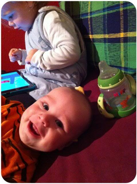Vollzeit arbeiten mit Baby und Kleinkind, so läufts