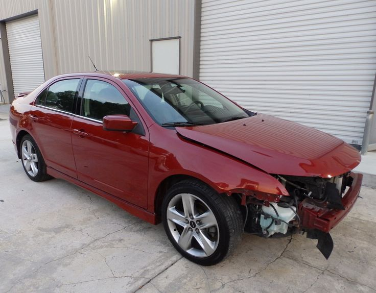 Easy damage 2010 Ford Fusion Sport Sedan rebuildable