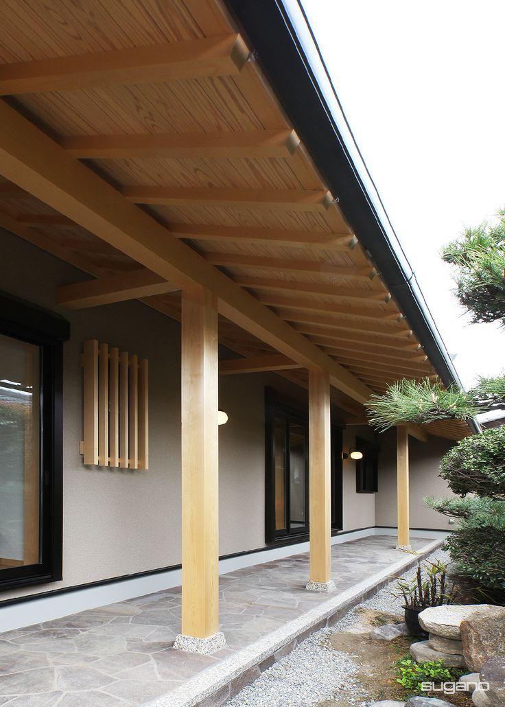 夏の暑い日差しを遮るため、南面は軒を長くしました。#和風住宅 #外観 #化粧軒裏 #差掛 #縁側 #設計事務所 #菅野企画設計