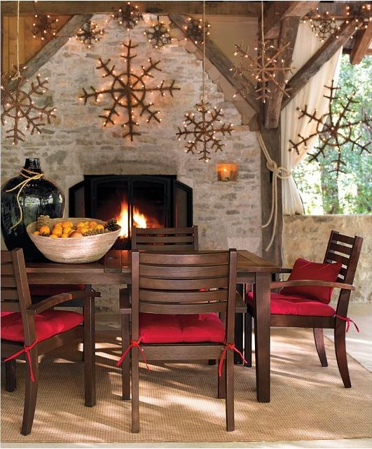 loving the looks of that fire and those snowflakes!  #design #interior #interior_design #Christmas