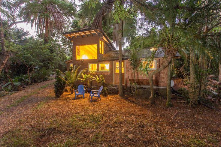 1.บ้านมีขนาดกระทัดรัด ชั้นเดียวและมีจุดทื่ทำหลังคาสูงไว้ เพื่อให้ความร้อนระบายขึ้นสู่ที่สูง ทำให้บ้านเย็นสบาย