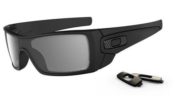 OAKLEY Batwolf Matte Black Grey Polarized napszemüveg. Láss minőségromlás nélkül tisztábban és élesebben, mint valaha! OLVASS TOVÁBB!