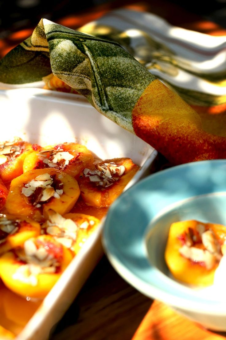 Did you know that peaches are rich in vitamin A and Beta-carotene as well as potassium, fluoride, and iron. Peaches actually prevent tooth decay? Baked Peaches with Honey and Almonds is a recipe I hope you will make again and again! It's simple...